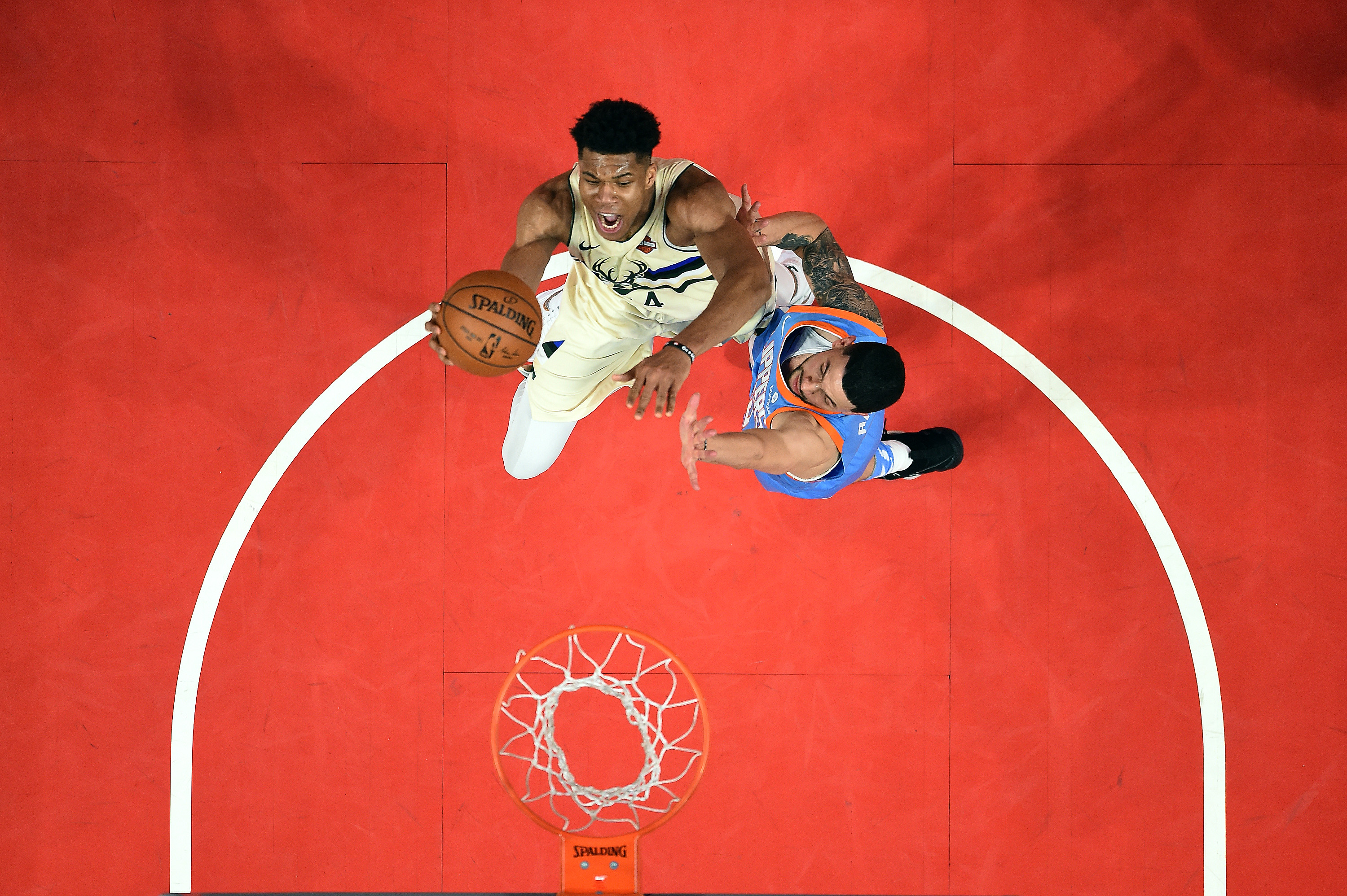 Clippers Rally Over Bucks