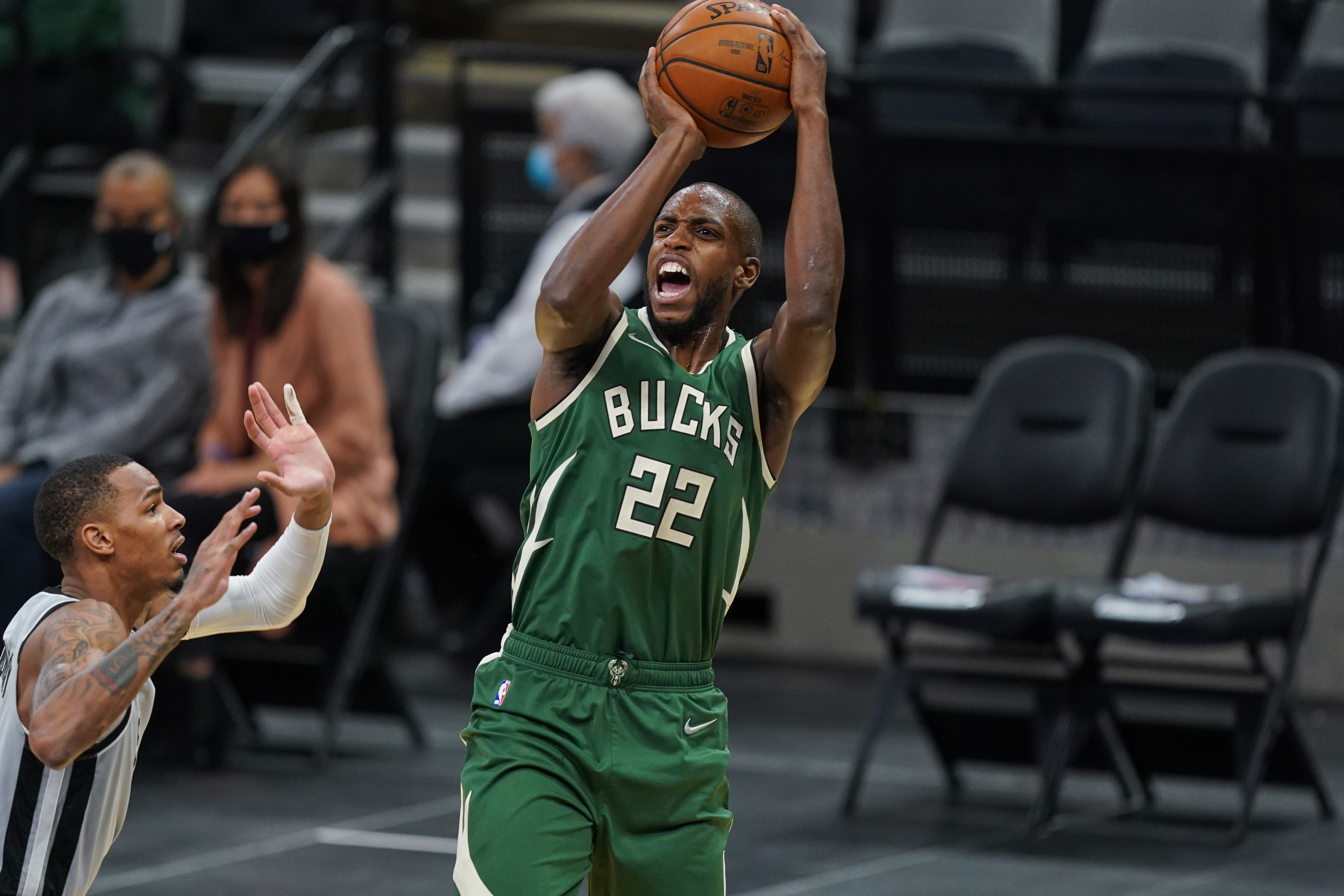 Milwaukee Bucks: Khris Middleton in search of consistency