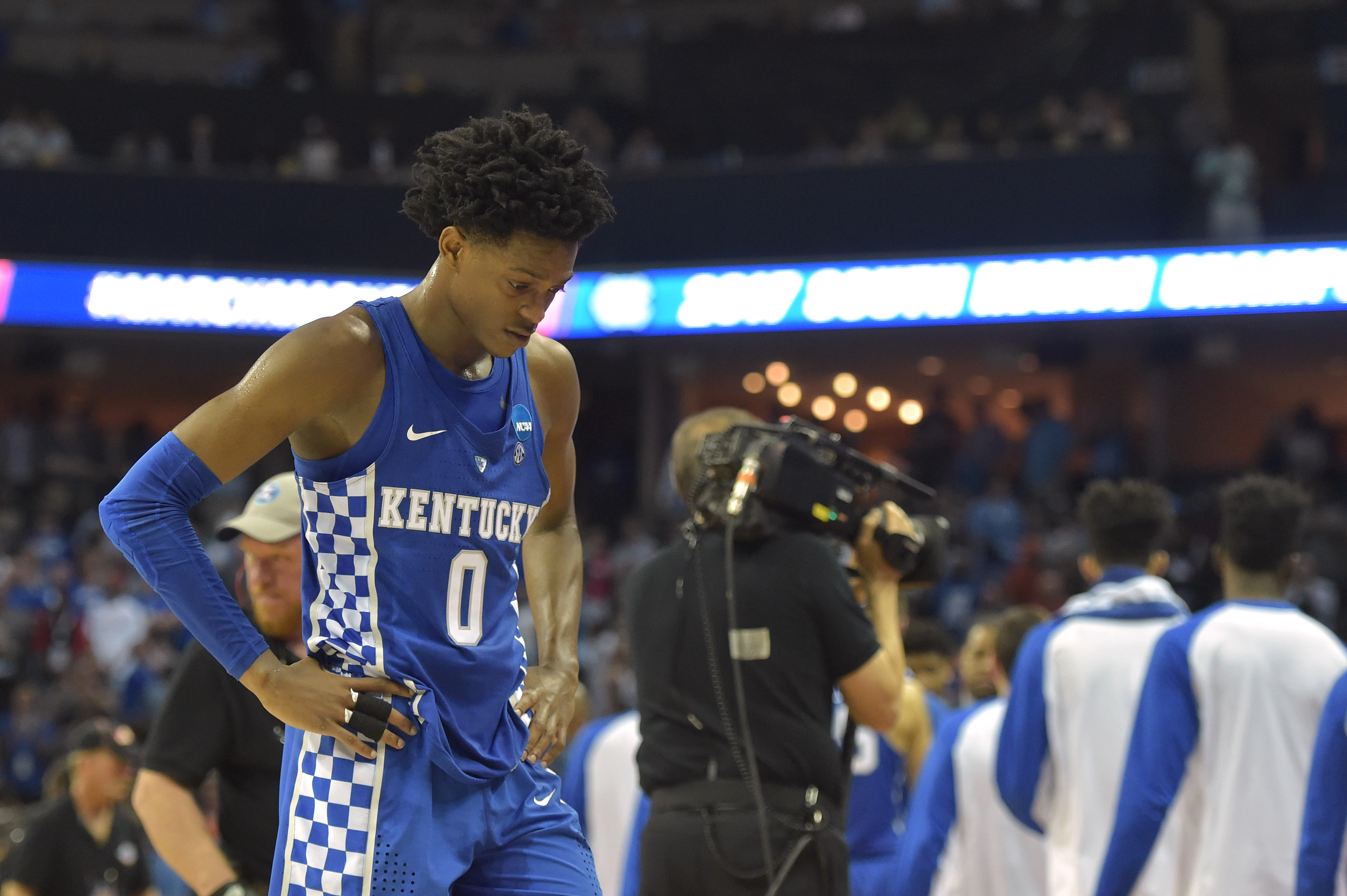 reputable site 9bad5 6185a NBA Draft 2017 Prospect Watch: Kentucky's De'Aaron Fox - Page 3
